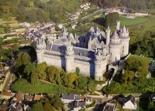 средневековый замок: